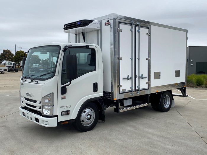 2020 Isuzu NMR 45/60 AMT White