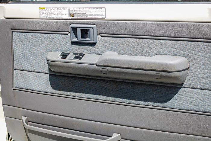 2017 Toyota Landcruiser GXL Troopcarrier VDJ78R 4X4 Dual Range White