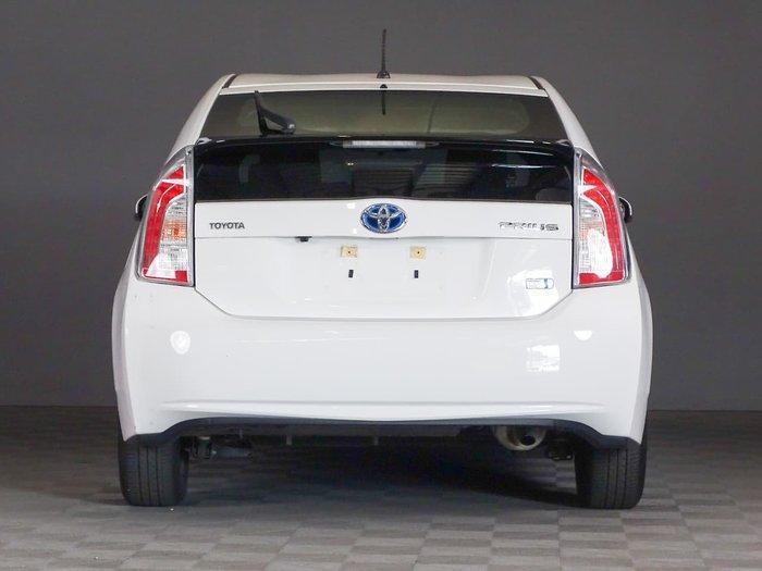2015 Toyota Prius ZVW30R White