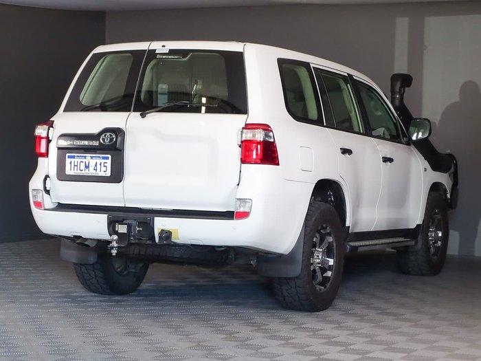 2018 Toyota Landcruiser GX VDJ200R 4X4 Dual Range White