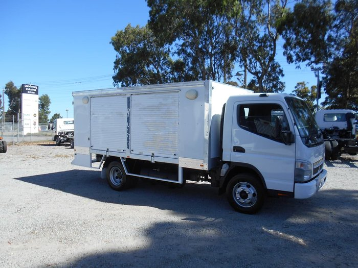 2010 FUSO CANTER 4.0T White