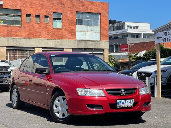 2005 Holden Commodore Executive VZ Red
