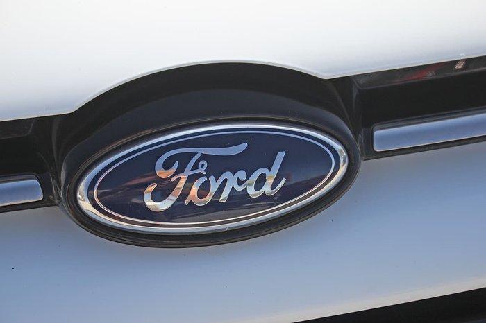 2014 Ford Focus Titanium LW MKII White