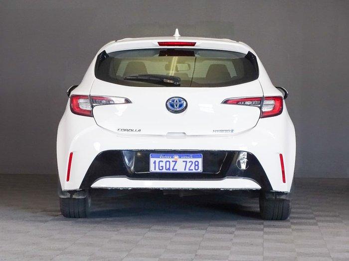 2018 Toyota Corolla Ascent Sport Hybrid ZWE211R White