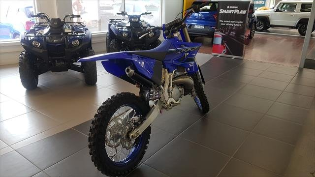 2020 YAMAHA Competition 2T with race kit and blue rims Blue
