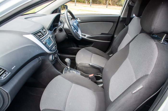 2013 Hyundai Accent Active RB Crystal White