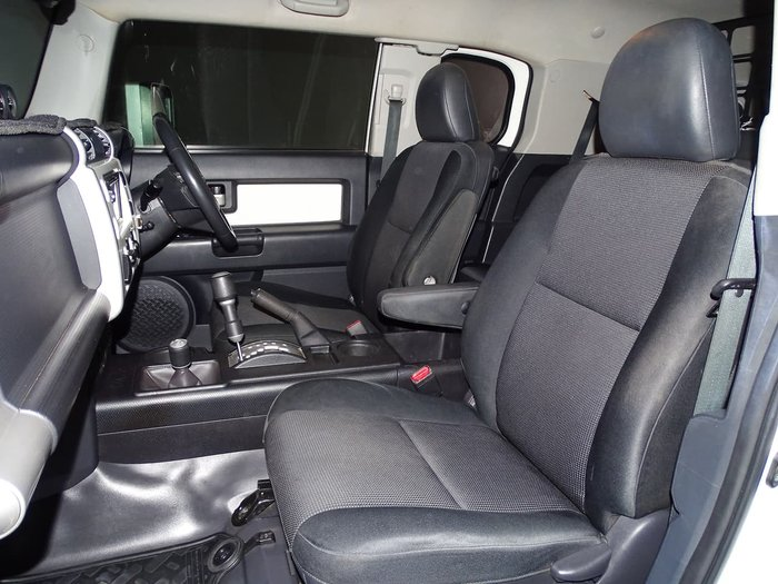 2015 Toyota FJ Cruiser GSJ15R MY14 4X4 Dual Range White