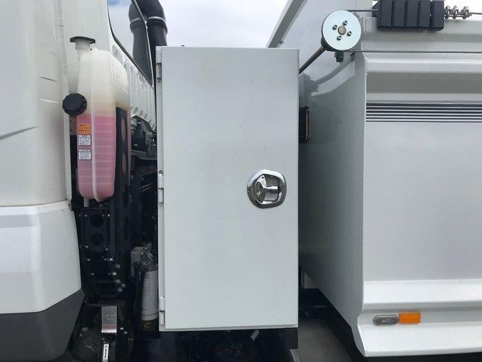 2019 FUSO FV70HK4VFAA White