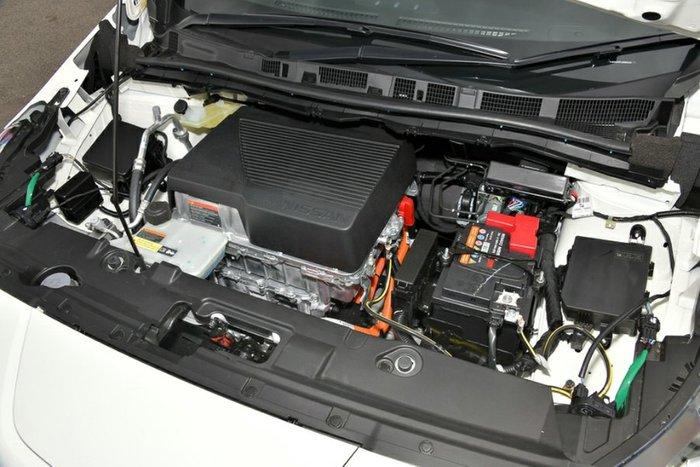 2020 Nissan LEAF ZE1 GUN METALLIC