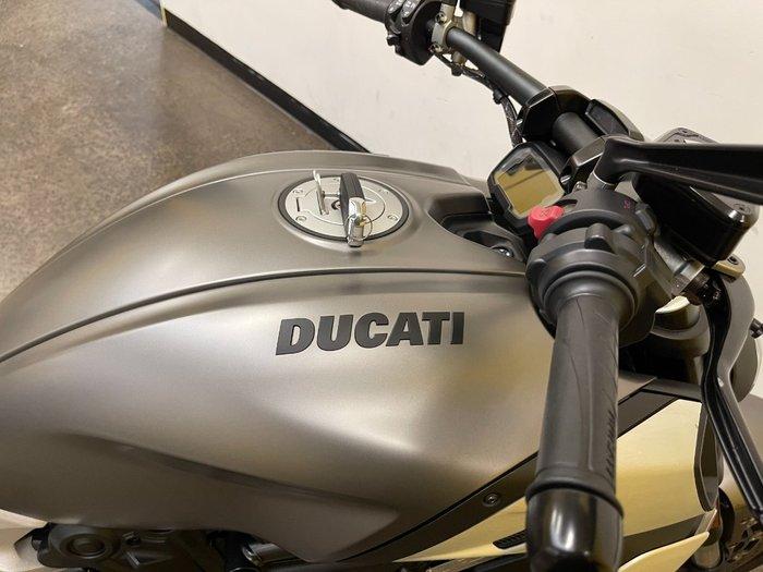 2019 DUCATI DIAVEL 1260 (SANDSTONE GREY) Grey