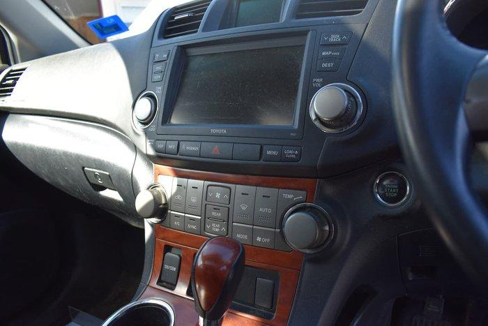 2010 Toyota Kluger Grande GSU40R White