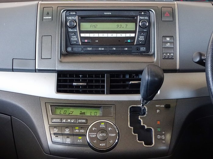 2011 Toyota Tarago GLi ACR50R MY09 Silver