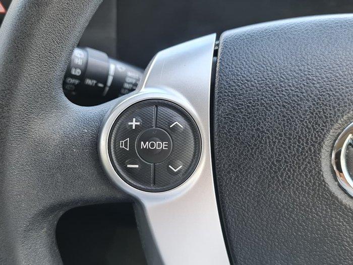 2016 Toyota Prius C NHP10R White