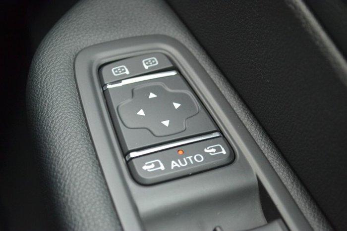 2017 Renault Captur Intens J87 RED WITH BLACK