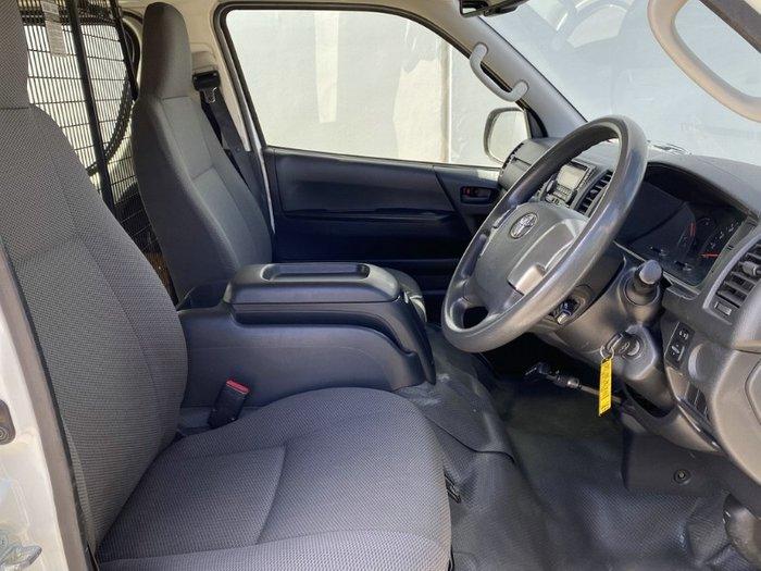 2016 Toyota Hiace LONG WHEELBASE TRH201R WHITE