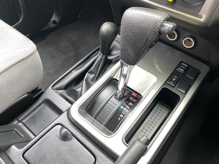 2010 Nissan Patrol ST GU 7 MY10 4X4 Dual Range Silver