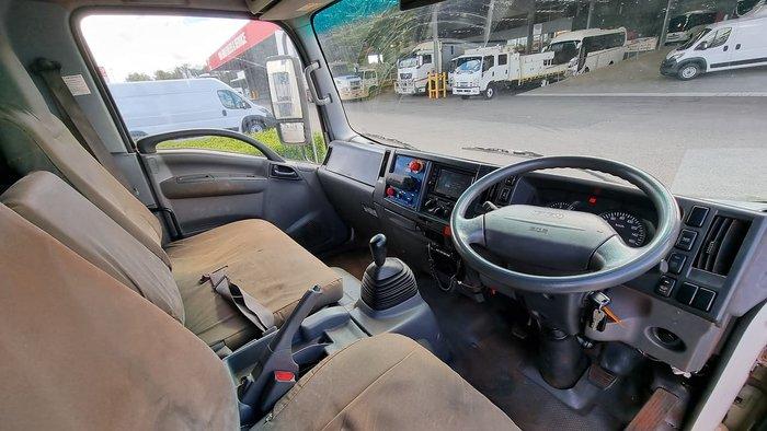 2012 ISUZU NPS300 18PAX 4X4 MINE SPEC BUS WHITE
