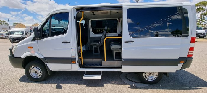 2013 MERCEDES-BENZ SPRINTER 4X4 12 SEAT AUTO BUS WHITE