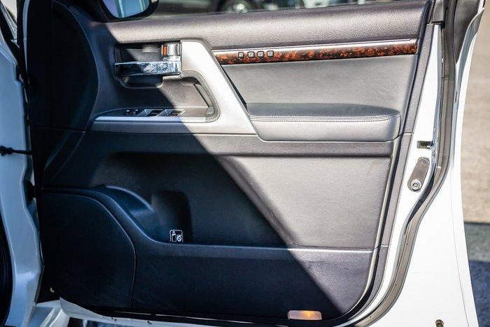 2014 Toyota Landcruiser Sahara VDJ200R MY13 4X4 Dual Range White