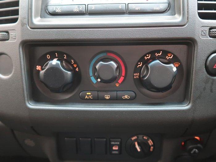 2007 Nissan Navara ST-X D40 4X4 Silver