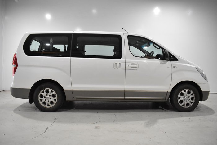 2014 Hyundai iMax TQ-W MY13 Creamy White