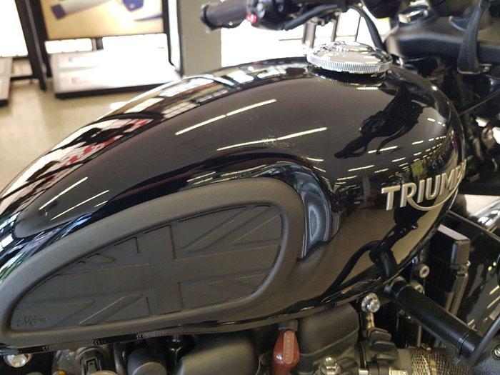 2018 Triumph BONNEVILLE BOBBER BLACK Black
