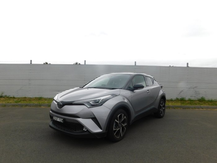 2017 Toyota C-hr KOBA (2WD)T4 NGX10R Shadow Platinum W Black Roof