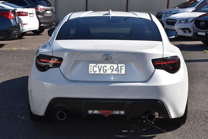 2014 Toyota 86 GT ZN6 MY14 Pegasus White