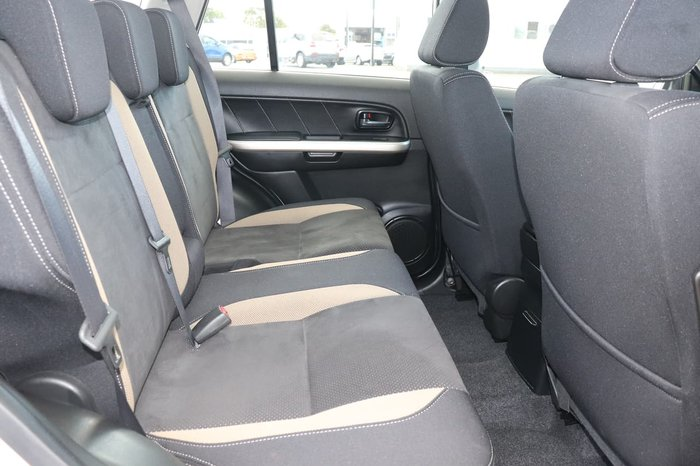 2014 Suzuki Grand Vitara Navigator JB Silver