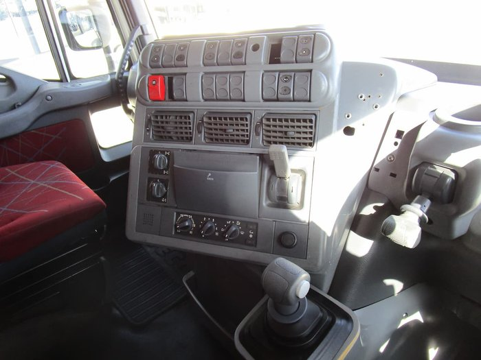 2006 IVECO POWERSTAR ADN 550 WHITE