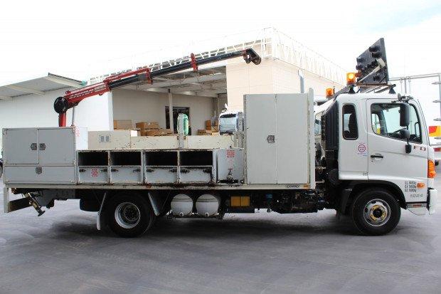 2010 Hino FD 1024-500 Series Maxilift Crane White