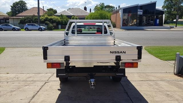 2020 NISSAN D23 RX NAVARA 4X2 2.3 DSL MAN SC CC RX POLAR WHITE
