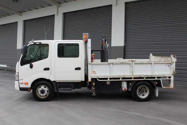 2012 Hino 917 - 300 Series EX-COUNCIL White