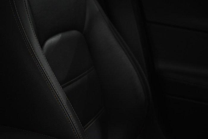 2016 Jaguar XE 20t Prestige X760 MY16 Dark Sapphire