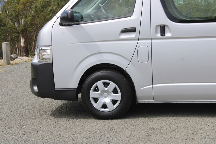 2016 Toyota Hiace Commuter TRH223R Silver
