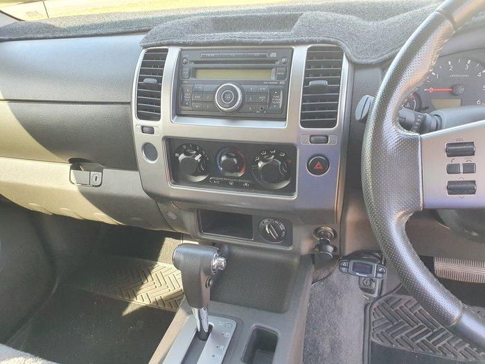 2010 Nissan Navara ST D40 4X4 Polar White