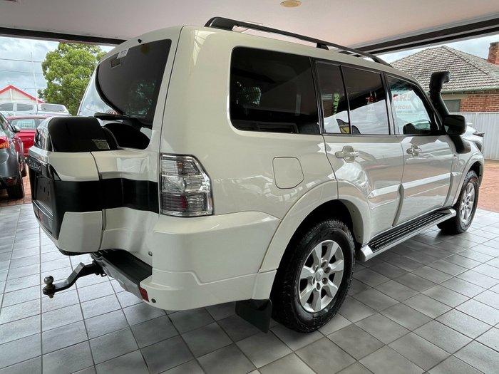 2015 Mitsubishi Pajero