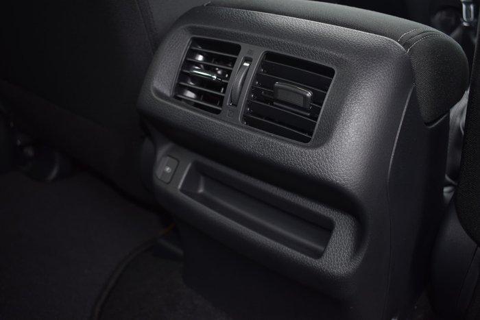 2021 Nissan Navara ST D23 4X4 Dual Range White