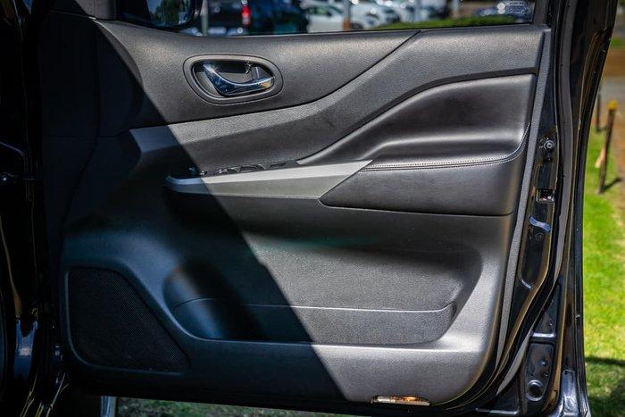 2015 Nissan Navara ST-X D23 4X4 Dual Range Black