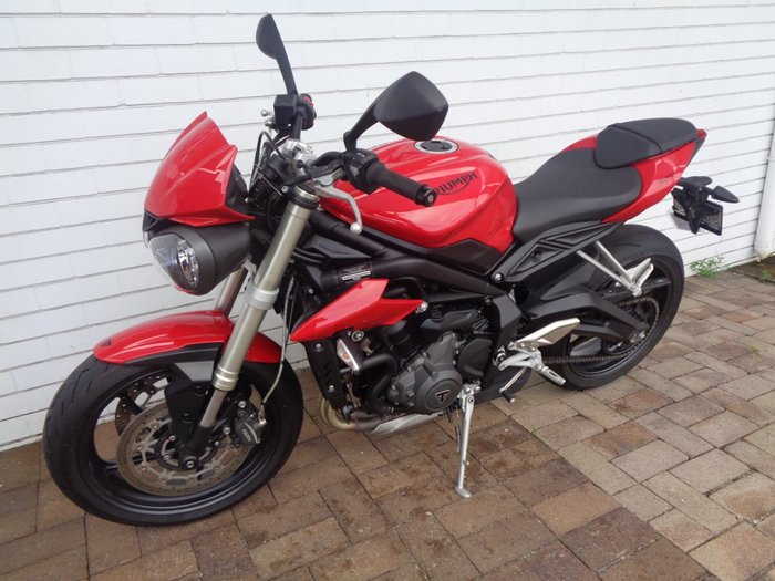 2019 Triumph STREET TRIPLE S 660 LAMS RED