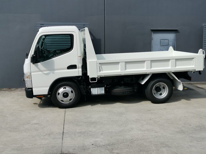 2021 FUSO 615 TIPPER White