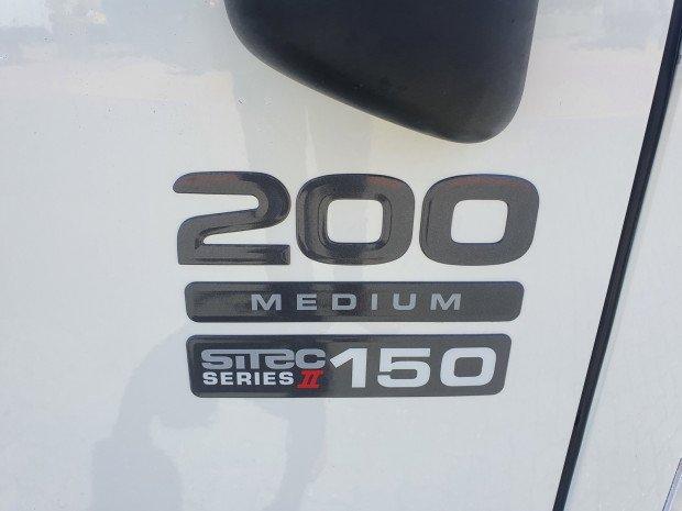 2009 Isuzu NLR200 3 Pallet Freezer