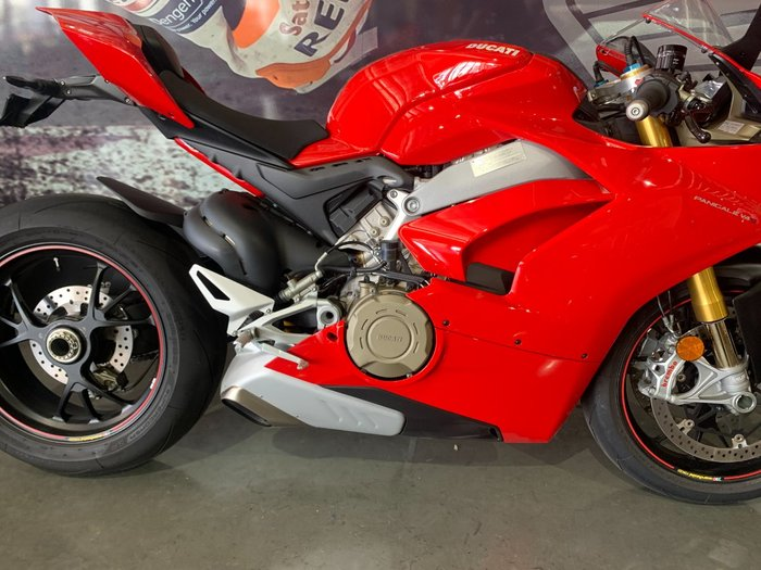 2019 DUCATI PANIGALE V4 S Red