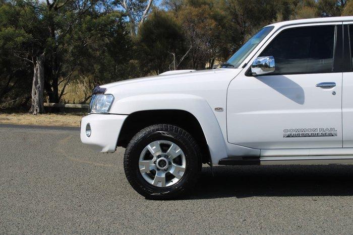 2013 Nissan Patrol ST Plus Y61 4X4 White