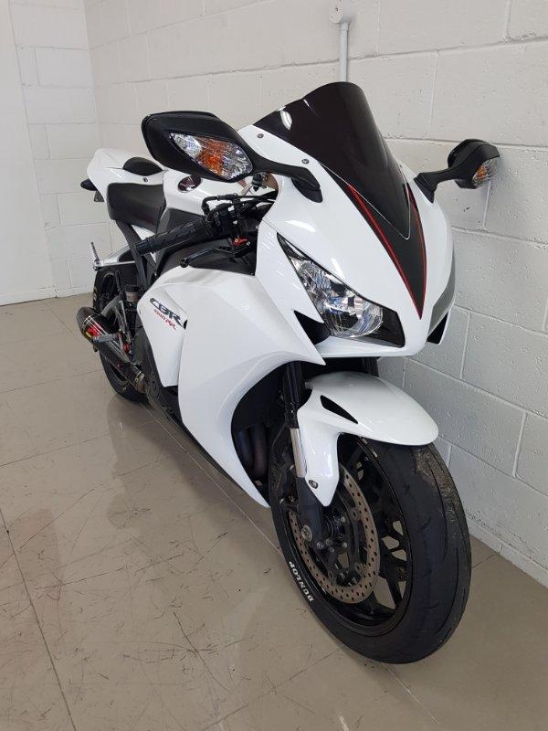 2014 Honda CBR1000RR (FIREBLADE) BLACK