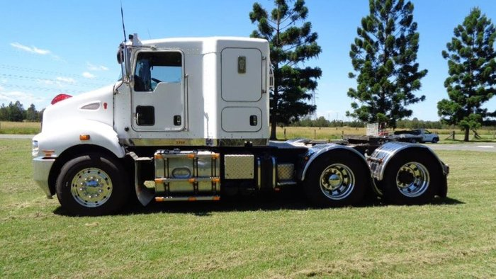 2013 KENWORTH T359 White