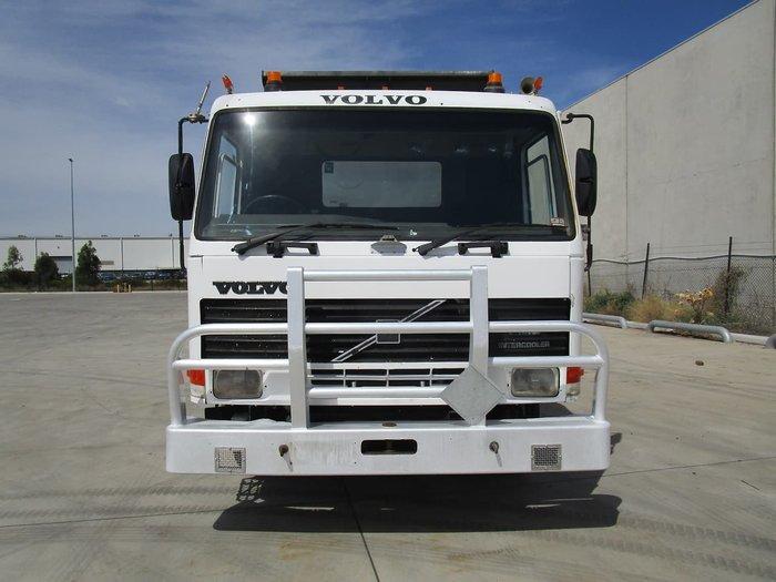 1994 VOLVO FL10 TIPPER WHITE