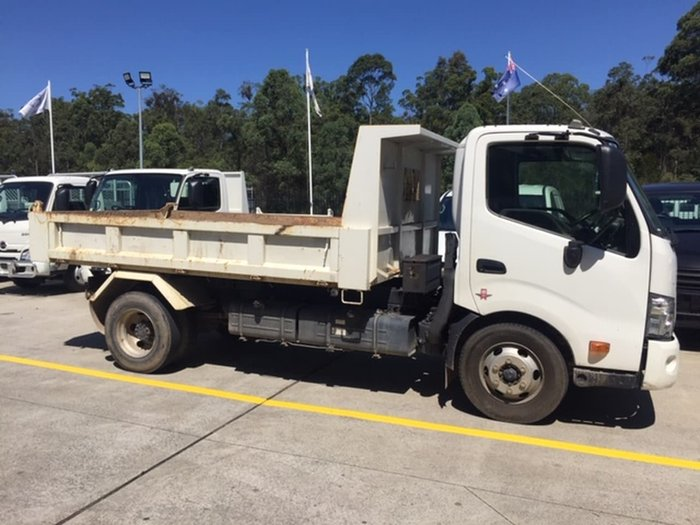 2016 HINO 917 MEDIUM TIPPER White