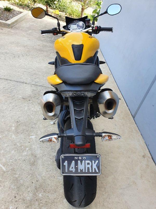 2016 Triumph SPEED 94R Yellow