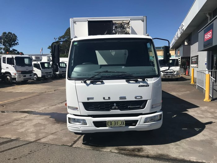 2012 MITSUBISHI FIGHTER 1024 WHITE